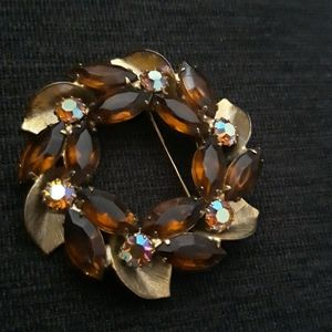 Jewelry - Vintage Topaz Leaf Pin